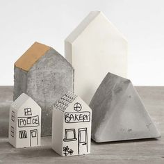 Huse støbt af beton og gips i saml-selv-forme Homemade Christmas Presents, Christmas Gifts For Adults, Triangles, House Cast, Beton Diy, Concrete Projects, Diy Concrete, Mothers Day Presents, Color Crafts