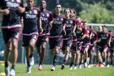 Ajax heeft de wedstrijd tegen Dinamo Moskou met 2-2 gelijkgespeeld. Ajax kwam in de 18e minuut op voorsprong door een eigen doelpunt van Kuzmin, twaalf minuten later was de stand weer gelijk. Bazoer wist raak te schieten in de 58e minuut maar Dinamo kwam opnieuw terug in de 83e minuut.