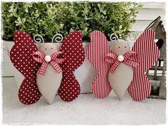2 Schmetterlinge*dunkelrot-weiß*Landhaus*Frühling von Little Charmingbelle auf DaWanda.com