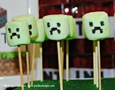 Minecraft Birthday Party   CatchMyParty.com ---- HEY HEY!!!  For more COOL MINECRAFT stuff, check out http://minecraftfamily.com