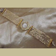 http://aupaysdessenteurs.com/1047-2795-thickbox/montre-bracelet-cristal-de-swarovski-artisanale-2-en-1-couleur-or.jpg
