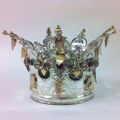 Norwegian Sunday: Bridal Crowns – Part III, Gallery Norwegian Clothing, Folk Costume, Costumes, Bridal Crown, Mexican Folk Art, Printable Designs, Tiaras And Crowns, Vintage Jewelry, Wings