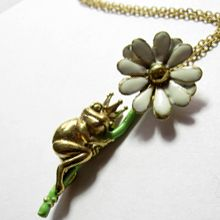 Frog Prince Necklace <3 with a Daisy.