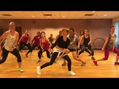 """MAD LOVE"" Sean Paul, David Guetta ft Becky G - Dance Fitness Workout Valeo Club - YouTube Dance Workout Videos, Zumba Videos, Dance Videos, Cardio Dance, Dance Exercise, Exercise Videos, Zumba Fitness, Dance Fitness, Zumba Warm Up"