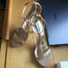"""T9 Steve Madden glitter sandals Steve Madden Fanny glitter sandals brand new without a box. 4.5"""" heel, 1/2"""" platform Steve Madden Shoes Sandals"""