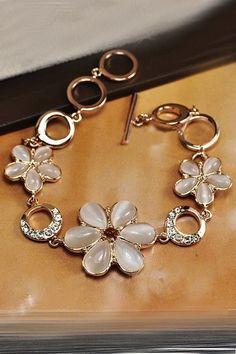 White Crystal Flower Shaped Bracelet