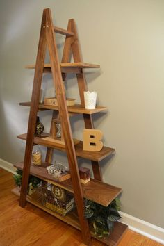 simplest diy woodworking projects for your new dream house design interior Ladder Bookshelf, Bookshelves, Bookcase, Ladder Storage, Dream Home Design, Home Interior Design, House Design, Diy Home Decor Projects, Wood Projects