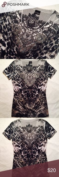 """Daytrip sequin tee Daytrip sequin tee. Size L. Great used condition. Armpit to armpit 18"""". Shoulder to bottom hem 27 1/2"""". Daytrip Tops Tees - Short Sleeve"""