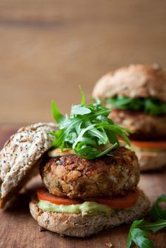 Either enjoy these bean burgers with all the trimmings, or just the halloumi for a lower calorie count. Taken from The Ultimate Diet Recipe Book(Bean Burger Recipes) Low Calorie Recipes, Diet Recipes, Vegetarian Recipes, Cooking Recipes, Healthy Recipes, Vegetarian Cooking, Cooking Ideas, Healthy Foods To Eat, Healthy Snacks