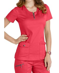 Beyond Scrubs Mia Zip Front Scrub Tops Spa Uniform, Scrubs Uniform, Vet Scrubs, Medical Scrubs, Nursing Dress, Nursing Clothes, Dental Uniforms, Jaanuu Scrubs, Scrubs Pattern