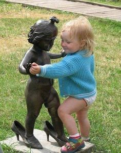 These statue posers are taking their creativity to a new level just to tickle your funny bone. They definitely know how to have fun with statues and lucky for us, they took pictures! Funny Babies, Funny Kids, Cute Kids, Cute Babies, Fun Funny, Super Funny, Shall We Dance, Lets Dance, Funny Pictures For Kids