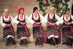 Photograph:Greek women perform a folk dance. Greek Dancing, Greek Traditional Dress, Cultural Dance, Art Populaire, Greek Culture, Folk Dance, Dance Costumes, Greek Costumes, Just Dance