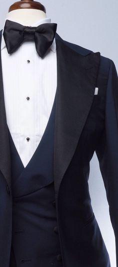 Navy Blue Tuxedo Blue Tuxedo Jacket, Black Tuxedo, Tuxedo For Men, Groom And Groomsmen Suits, Groom Attire, Navy Blue Tuxedos, Masquerade Outfit, Blue Suit Men, Classic Tuxedo