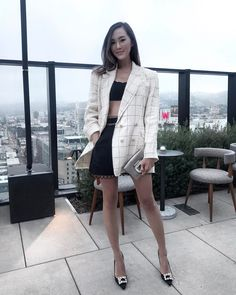 """450 mentions J'aime, 11 commentaires - Chriselle Lim 🌟 임소정 (@chrisellelim) sur Instagram: """"And Of course the one time I decide to wear shorts and a bikini top... it's freeezing. Ugh, Thanks…"""""""