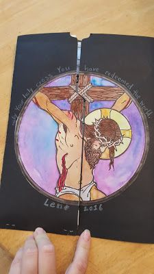 Just Like Mary: Lent Lapbook- Awesome lapbook for kids to use for prayer and learning during Lent!
