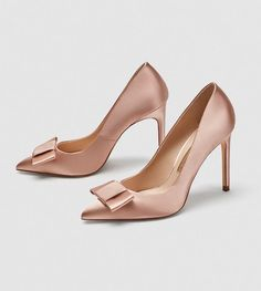 Cute flats or killer heels? We've got something for every style and every budget with 50 gorgeous wedding shoes you can shop right now! Women's Shoes, Fancy Shoes, Pretty Shoes, Court Shoes, Buy Shoes, Sock Shoes, Me Too Shoes, Rhinestone Wedding Shoes, Red Wedding Shoes