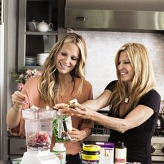 Molly Sims' Fertility Smoothie Recipe From Her New Book #TheEverydaySupermodel