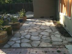 Using Urbanite for hardscaping (Part 2: Patio) | Kevin's Edible Yard. I'm thinking about doing something like this too.