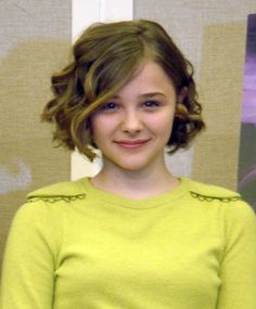 https://www.chlomo.org/gallery/photosets_2010/chloe_moretz_kick-ass_press/chloe_moretz_kick-ass_press_japan_114.png