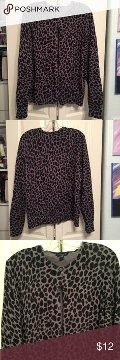 Animal print cardigan sweater Fabulous and fun sweater. This is a re-posh.  2xl Tommy Hilfiger. Long sleeve, button down. Perfect condition but it's not for me. Tommy Hilfiger Sweaters Cardigans