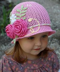 Crochet girl in hat with Patterns. | Crochet Free