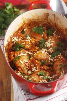 One pot baked Greek chicken orzo - Scrummy Lane Orzo Recipes, Duck Recipes, Cooking Recipes, Healthy Recipes, Noodle Recipes, Slow Cooking, Tea Recipes, Cooking Tips, Dessert Recipes