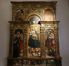 GalleriaSabauda_- Defendente Ferrari  Chivasso, Torino, 1480 / 1485 - dopo il 1540  Madonna con il Bambino, angeli musicanti, santa Barbara con il donatore e san Michele;  Sacra Famiglia; San Valeriano; Storie disanta Caterina