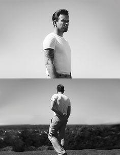 Ewan McGregor: camiseta branca. Não há quase nada nada mais clássico que ela. Obrigatória.