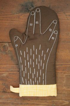 Star Trek Handmade Oven Glove. Okay, so I just might need to really make one of these....