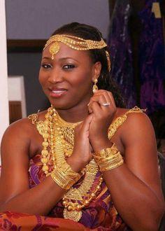 Absolutely stunning Ghanaian Akan bride.
