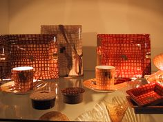 vitrine Decoration, Creations, Collections, Coffee, Glass Display Case, Furniture, Colors, Decor, Kaffee