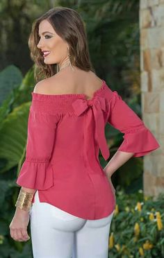 Pink blouse with bow and white pants Cool Outfits, Casual Outfits, Fashion Outfits, Womens Fashion, Cut Up Shirts, Outfit Trends, African Fashion, Blouse Designs, Designer Dresses