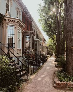 Swann Street in Dupont Circle, Washington DC. Springtime in DC is the best! Washington Dc City, Georgetown Washington Dc, Dc Vibe, The Places Youll Go, Places To Go, Dc Photography, Amsterdam, City Aesthetic, Nyc