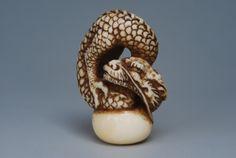 Ryu dragon ivory netsuke www.artecollezione.it
