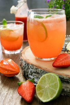 Rhubarb drink with gin – Foods and Drinks Cocktails, Cocktail Drinks, Cocktail Recipes, Agua Mineral, Recipe Search, Wine Drinks, Drinks Med Gin, Raw Food Recipes, Drink Recipes