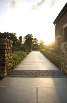 Pathway in mystic river pattern flagstone web