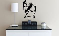 Adesivo Decor David Bowie 60cm x 40cm - R$ 58,95 no Elo7 (Foto: Divulgação/Elo7)