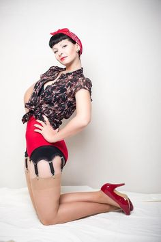 Carrie Diamond - Pinup Model