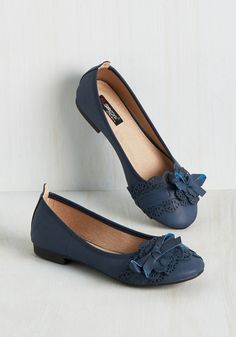 A Portrait of the Garnish Flat. If these feminine flats are good for anything, its a flirtatious style awakening! #blue #modcloth
