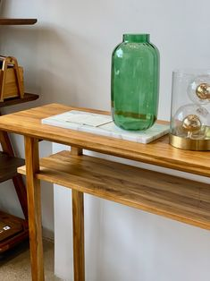 The Palmera Hall Table is ready to make a statement in your entryway. Sleek, clean, and functional 💥 Modern Wood Furniture, Handmade Furniture, Cattle Farming, Living Room Inspiration, Drafting Desk, Trees To Plant, Contemporary Design, Hardwood, Entryway