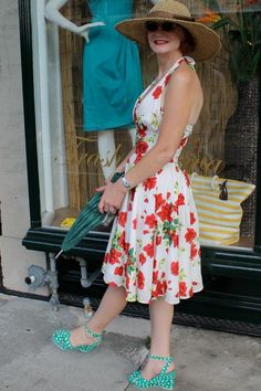 Debra looks smashing in the Trashy Diva Varga dress in Red Roses paired with the Miss L Fire Tease Wedges!!!