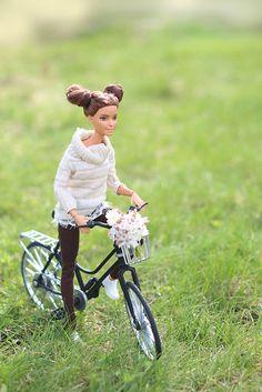 IMG_6560   Barbie MTM   tochka_rosy   Flickr Princess Barbie Dolls, Barbie Life, Barbie World, Barbie Dress, Barbie Clothes, Barbie Stories, Barbies Pics, Barbie Fashionista Dolls, Barbie Diorama