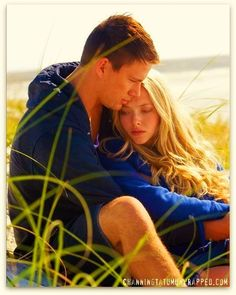 John and Savannah - Dear John (Channing Tatum & Amanda Seyfried) Dear John Movie, Dear John 2010, Dear John Book, Amanda Seyfried, Cher John, Nicholas Sparks Novels, Movie Stars, Movie Tv, Movie Photo