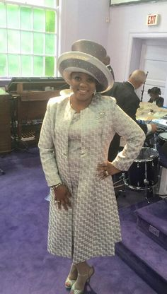 Looking lovely at Cathedral of Faith Church of God in Christ Reminds me of my Grandma Mrs.Sadie rip my Beautiful Grandmother ; Church Suits And Hats, Church Attire, Church Outfits, Church Hats, Office Outfits Women, Summer Outfits Women, Summer Fashions, Woman Outfits, Derby