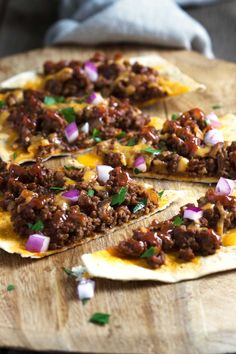 Chipotle Sloppy Joe Flatbread. www.keviniscooking.com Could do this easily with left over sloppy joes.