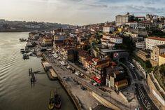 Plano de gestão e sustentabilidade do centro histórico quer envolver a comunidade - Portal de notícias do Porto. Ponto. Europe Bucket List, Paths, Paris Skyline, Portugal, Places To Go, Ocean, Travel, Globe, Bridge