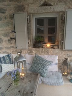 – Roses and Rolltops Travel – Villa Iriti, Corfu. – Roses and Rolltops Villas In Corfu, Greek Garden, Greek Decor, Deco Champetre, Interior And Exterior, Interior Design, Greek House, Greek Islands, Home Deco