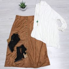 Cozy//neutrals  Shop these items online under shopable posts. www.shopelysian.com! Teardrop Tassel Necklace in Sage $18. online  in-store.  Tara Basic Blouse in Ivory $44. online  in-store.  Button Through Fall Suede Skirt $62. online soon. in-store.  Suede Peep Toe Bootie in Black $42. online  in-store.  #WearElysianDaily http://ift.tt/2csfxpz Cozy//neutrals  Shop these items online under shopable posts. www.shopelysian.com! Teardrop Tassel Necklace in Sage $18. online  in-store.  Tara…
