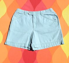vintage 80s women SHORTS lizwear hiking green canvas 10 waist 30 Hiking Shorts, Women Shorts, Vintage Shorts, White Tees, Liz Claiborne, Bermuda Shorts, Casual Shorts, Plaid, Canvas