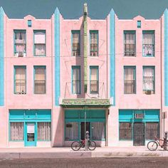 Accidentally Wes Anderson pastel pink and blue building. Windsor Hotel, New Windsor, Accidental Wes Anderson, Wes Anderson Style, Blue Building, Grand Budapest Hotel, Style Deco, Vintage Modern, Architecture
